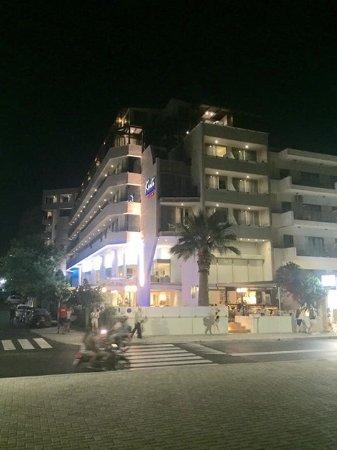 クリティ ビーチ ホテル Picture