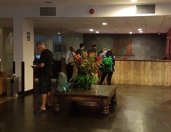 San Agustin Exclusive: Lobby