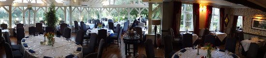 Acton Trussell, UK: Moat House Restaurant
