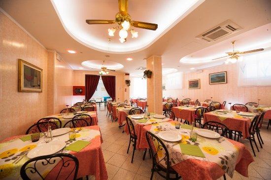 sala da pranzo - Bild von Hotel Nadia, Viserba - TripAdvisor