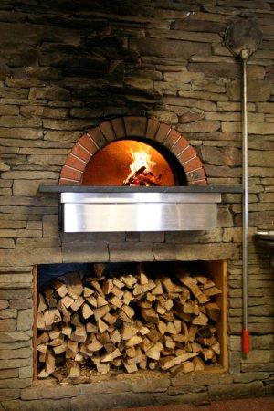 Westport, MA: Ten Cousins Brick Oven - Italian Brick Oven