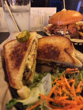 Photo of Restaurant Broderick Midtown at 1820 L St, Sacramento, CA 95811, United States