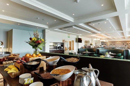 The Montenotte Hotel: Panorama Bistro & Terrace Breakfast