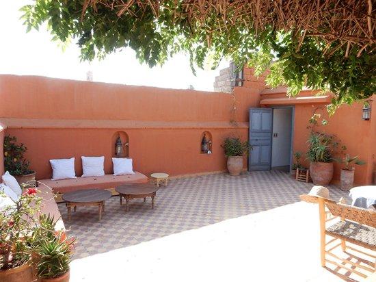 Dar Touyir: Terrasse où on prend le petit déjeuner