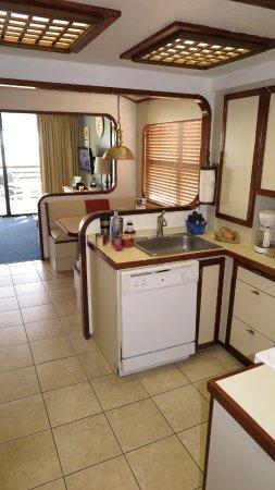 Mariner Boathouse Beach Resort: Kitchen