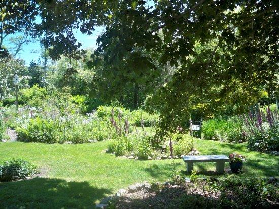 East Sandwich, MA: Seating in te hWildflower Garden