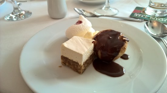 Food - Inishowen Gateway Hotel Photo