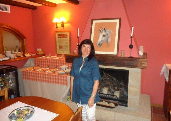 Uncastillo, Espagne : Comedor de la Posada, con un gusto y detalles muy bonitos.