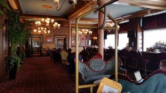Mizpah Hotel: Lobby area.  Very neat, awesome history.