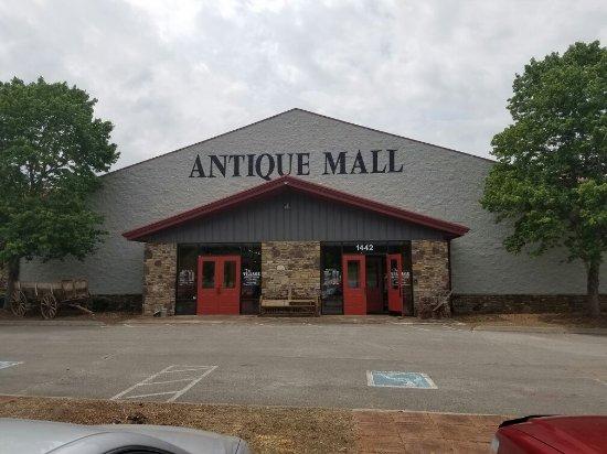 The Village Antique U0026 Home Decor Mall: The Village Antiques U0026 Home Decor  Mall Seviervilleu0027s