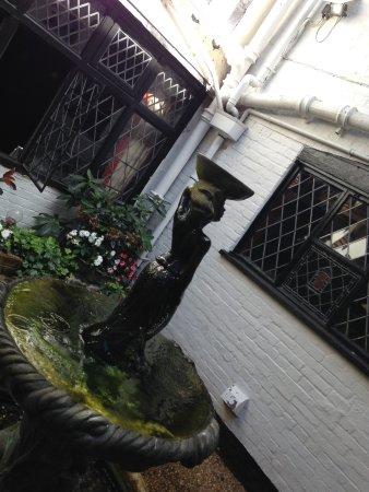 Giants Fireplace Bar at The Mermaid Inn: fountain