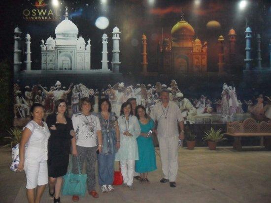 Kalakriti Cultural & Convention Center: После спектакля