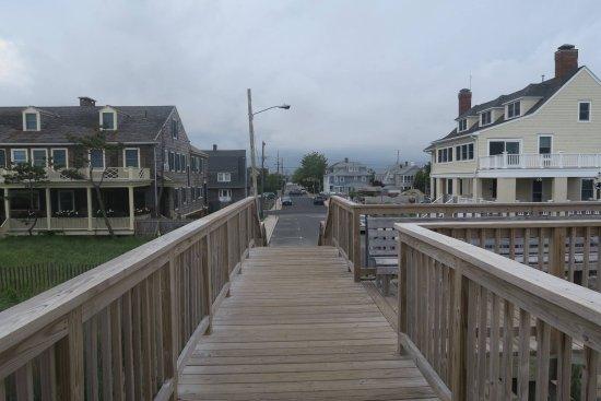 Bay Head, NJ: Great veiw from the beach to the Inn