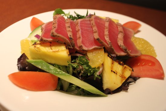 Kemptville, Kanada: Seared Ahi Tuna Salad