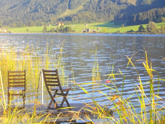Weissensee, Austria: Genuss am Badestrand