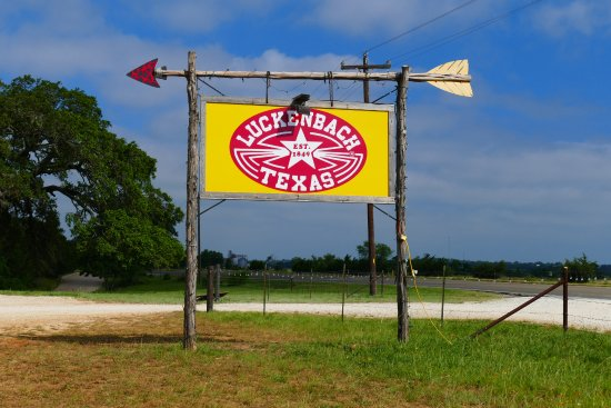 Luckenbach, Teksas: Welcome Sign