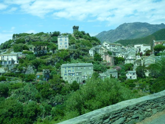 Authentic 'tour : Village vers le Cap Corse