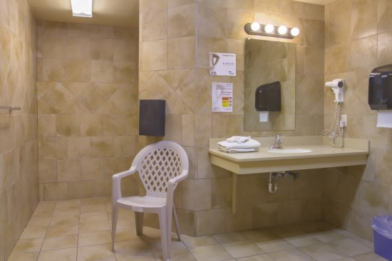 Large private showers at Columbus West Travel Center