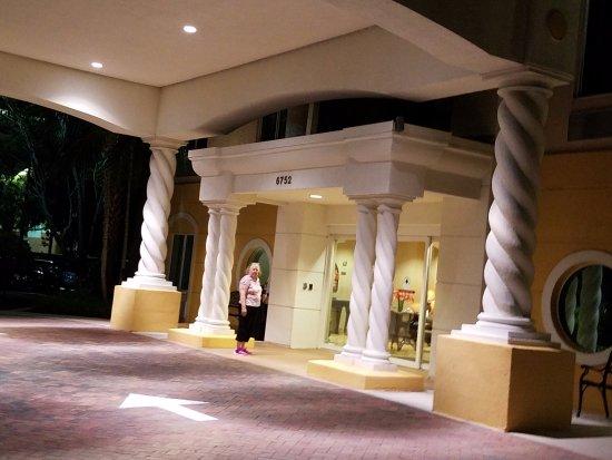 Comfort Inn & Suites Jupiter: The entrance