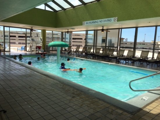 Harrah 39 s resort atlantic city nj hotel reviews photos for Pool and spa show atlantic city nj