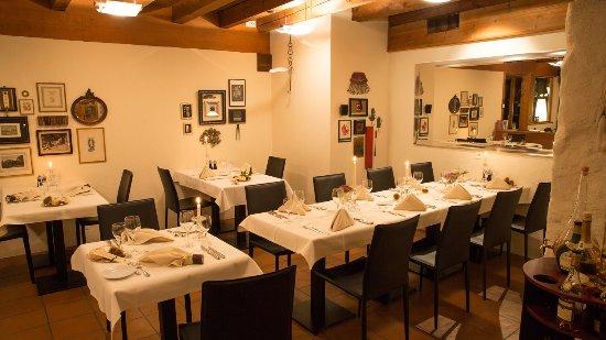 Lugnorre, Schweiz: Restaurant