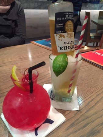 Table View, Güney Afrika: Corona-rita and Cherry bomb