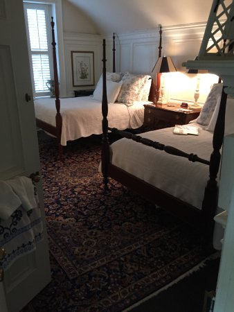 Mansfield Plantation: Our bedroom