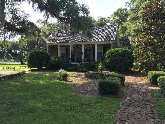 Mansfield Plantation: House on the grounds