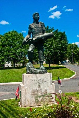 Raritan, NJ: John Basilone Statue