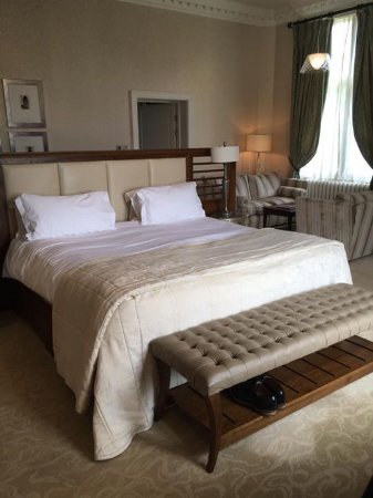 Rockliffe Hall: Superking size bed in Old Hall Suite