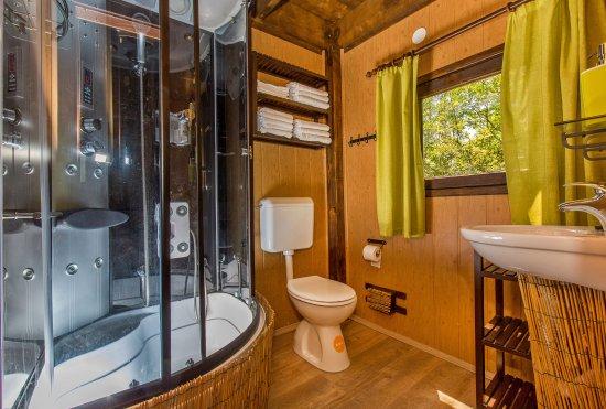 Adventure Park Cadmos Village Treehouse Bathroom