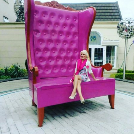 Great Hillgrove Hotel, Leisure U0026 Spa: Loving The Big Chair At The Hillgrove Hotel!