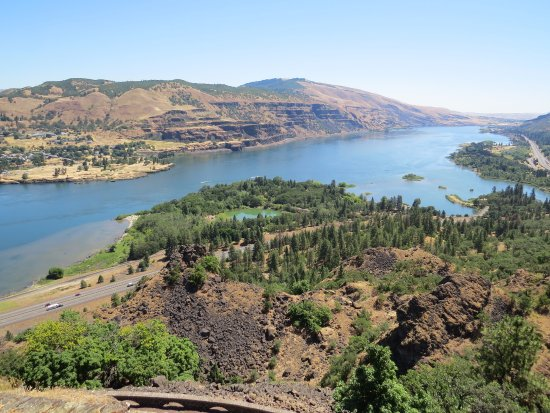 Mosier, OR: View