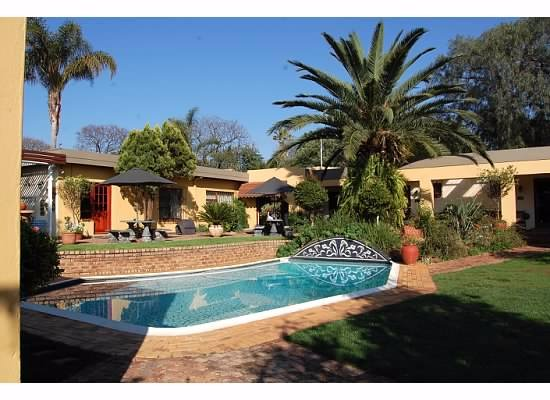 Jubilee Lodge Guesthouse: pool