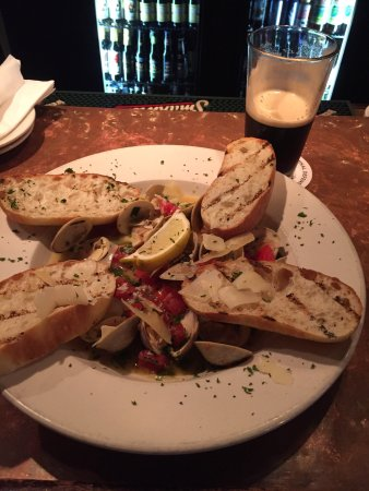 McCleary's Public House: Some of the best clams I've ever had!!! Well done McCleary's!