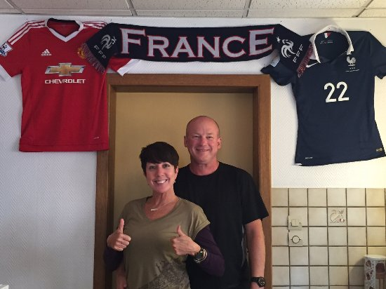 Dambach-la-Ville, Frankrig: Franc's cousin was on France's Euro 2016 team