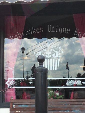 Babycakes Cupcakery: photo4.jpg