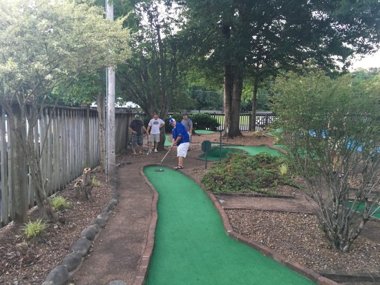 Mountain Mini Golf