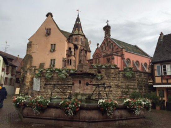 Route des vins d'Alsace: town center