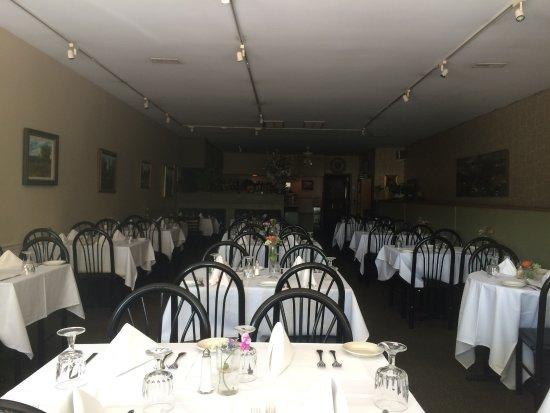 Chef Santos: Dining area