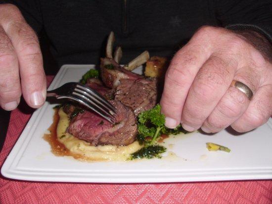 Martinborough, Nowa Zelandia: Horopito Lamb rack $36.50