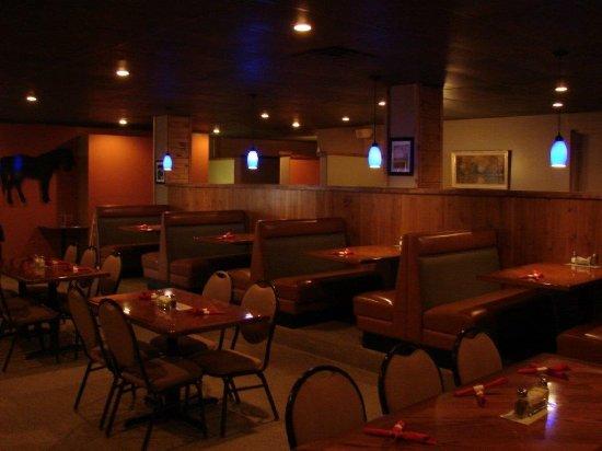 Yankton, Dakota del Sur: Upscale casual dining room