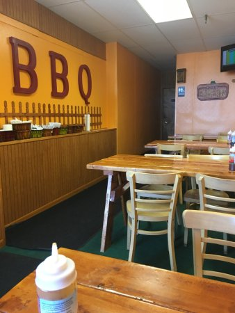 Norwalk, OH : Legit BBQ! Smokey goodness! This is a MUST stop!!! I will eat here, everytine I am in town! Whoa