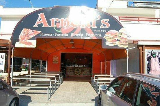 Arnold's Pizza & Co.: Se vuoi mangiare qualcosa di veramente buono Arnold`s è il posto giusto!!! Ve lo consigliooooo!!
