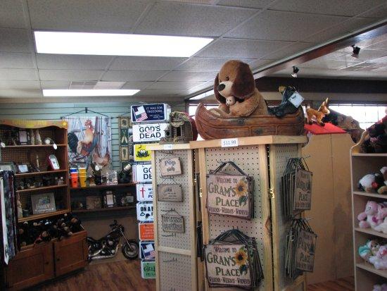 Smoky Mountain Pancake House: Gift shop
