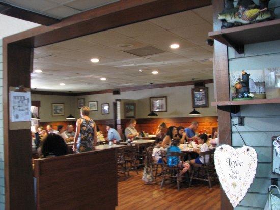 Smoky Mountain Pancake House: Inside
