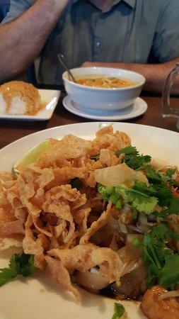 Lanna Thai Restaurant: 20160712_165104_large.jpg
