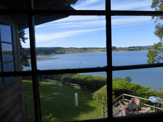 The Captain Whidbey Inn: Room with a view of Penn Cove