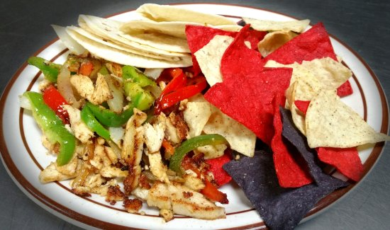 Sharon Springs, Канзас: Fajitas - one of Stephens' specials throughout the month