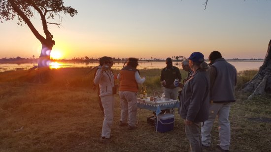 Pom Pom Camp: Sundowners